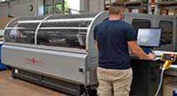 Ludovic Plexiglass laser produzione arredamento e espositori in plexiglass