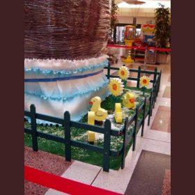 allestimento polistirolo e legno verniciati per Pasqua centro commerciale Shopville Gran Reno