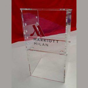 podio plexiglass evento Mariot Hotel Milano altezza piano regolabile