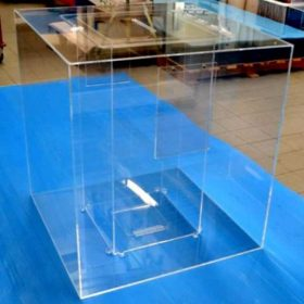 urna plexiglass gigante aeroporto Marconi BO