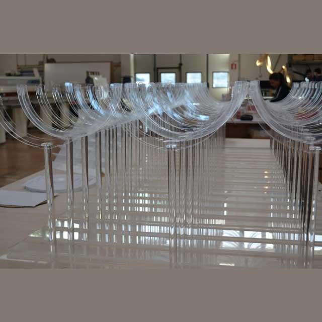 Piedistallo plexiglass porta bolli
