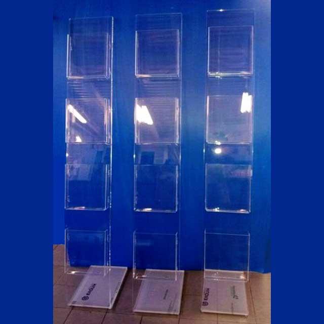 Portadepliant colonna plexiglass per agenzia viaggi for Arredamento agenzia viaggi