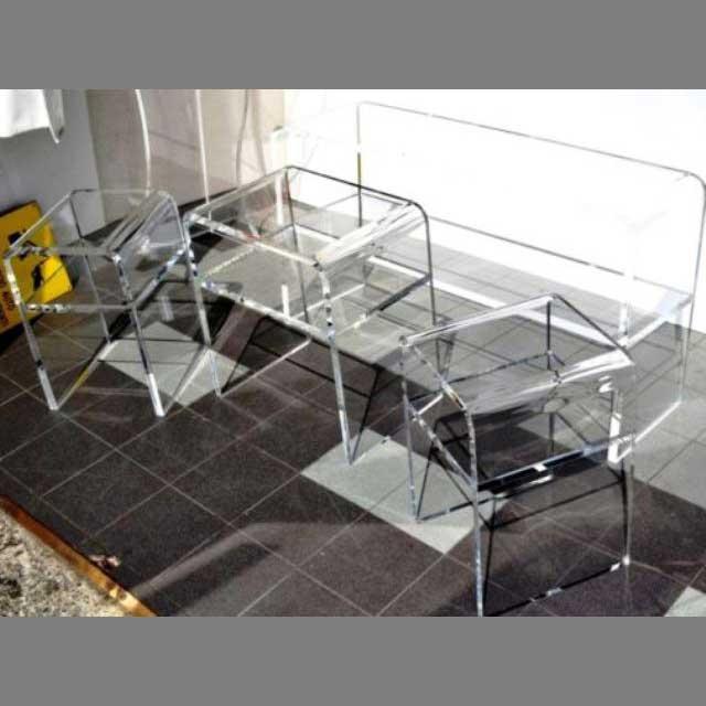 Tavoli plexglass espositivi per vetrina ludovic plexiglass for Plexiglass arredamento