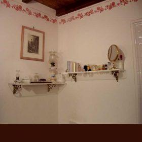 mensole plexiglass per bagno con reggimensole ottone