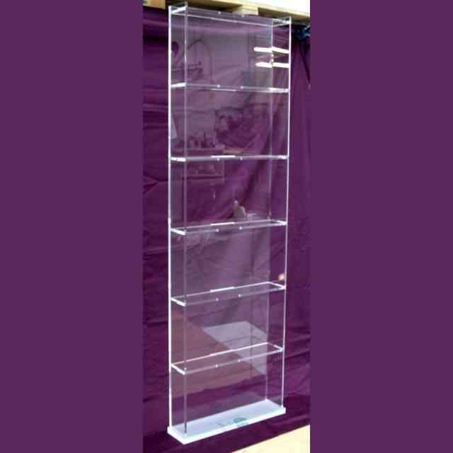 Libreria plexiglass trasparente a giorno ludovic plexiglass for Plexiglass arredamento