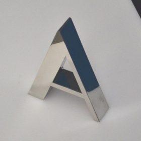 lettere acciaio lucido per insegna luminosa